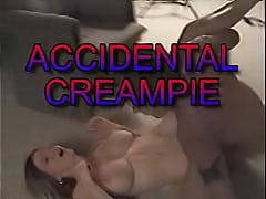Creampie surprise in mature mom