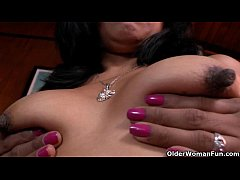 Latina milfs Veronica and Laura get their pussy...