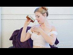 Blonde Miss Fingering Her Oiled Quim