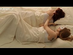 Romantic lesbian teens - Full video: http://ouo...