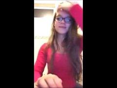 Novinha funkeira mostrando a buceta na webcam