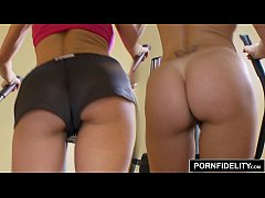 PORNFIDELITY - Cougar Queen Brandi Love Works Out With Cock