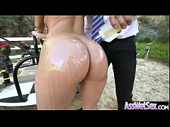 Oiled Wet Big Butt Girl Get Her Ass Fill Up vid...