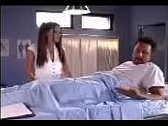 2 doktor ve sıcak kadın hasta ile akıl hastanesinde anal dp trio