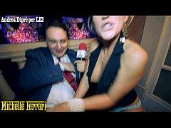 Pornstar Michelle Ferrari does taste her pussy ...
