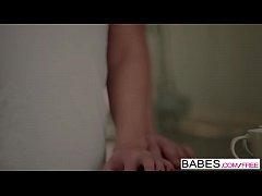Babes - you me Rihanna Samuel