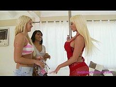 Angelina Chung, Laela Pryce, Nikita Von James : Blonde Goodness