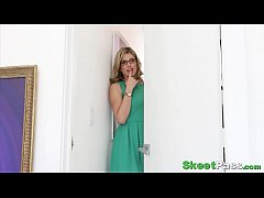 Curious Teen Roxy Schooled By Her Step-Mom In D...