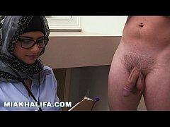 Arab Mia Khalifa Compares Big Black Cock to Whi...