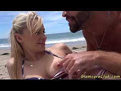 Dicksucking pornstar pounded after beach day