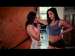 Abella Danger share her step brother's dick with her friend