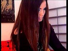 Sexy webcam girl QueenMyra fingering her wet pussy