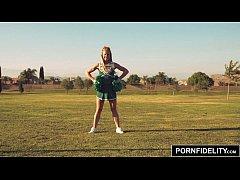 PORNFIDELITY Cheerleader Slut Nicole Clitman Cheers For Creampie