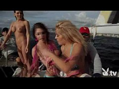 Hot Girls Sailing Naked!