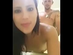 Vagabunda brasileira na putaria traindo o marido, puta safada querendo pau.