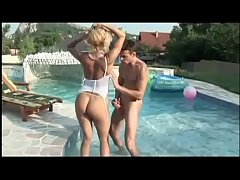 Italian pornstar Milly D'Abbraccio banged poolside