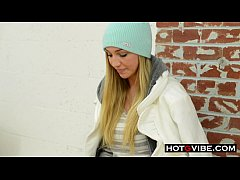 Kendra Sunderland Day In The Life Behind The Sc...