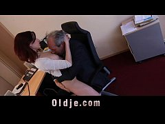 Old boss fuck his sexy young assistant in the o...