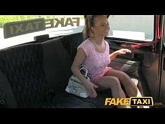 FakeTaxi - Esperando A Familiares