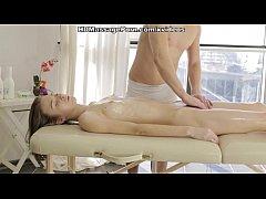Blonde's adventure in a private massage studio ...
