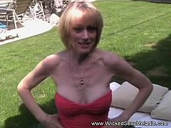 Sexual Interview With Reluctant Amateur GILF