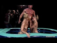 MIA MAGMA Threesome Oil Fight