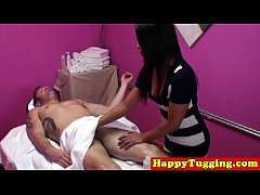 Asian handjob masseuse gets cumshot