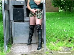 Pee Public Girls 702