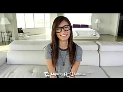 4K MyVeryFirstTime - Kimberly Costa is scared o...