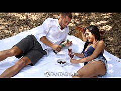HD FantasyHD - Chloe Amour has a picnic then ta...