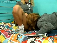 Bed Pissing Girls 2-1