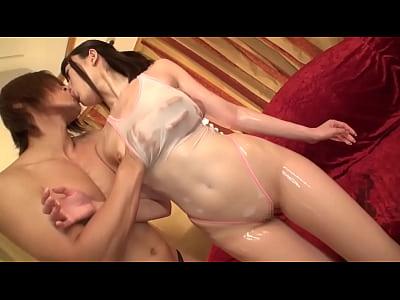 テカテカ美乳娘と水着セックス