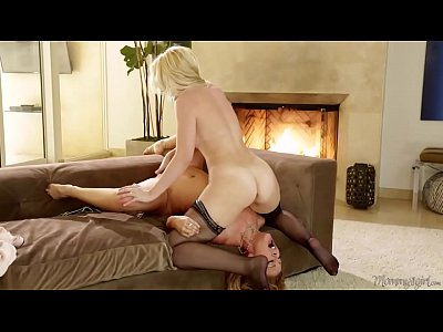 Stepmom wants to lick her daughter's fresh pussy - Cherie DeVille, Samantha Rone