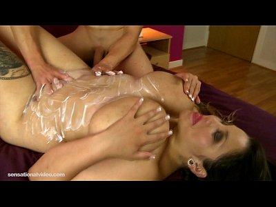 Beti phellasio hard sex with chubby girl 8