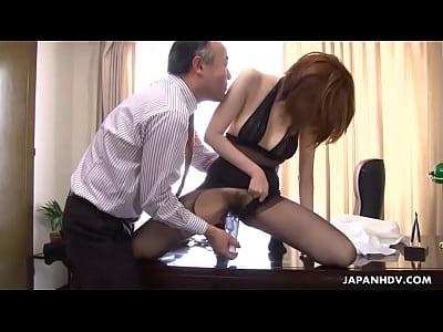 Porno Gartis Asian slut getting fucked by her boss politely