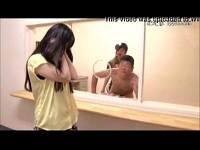 【さとう遥希】囚人をペニバンで責める痴女看守がエロ過ぎw