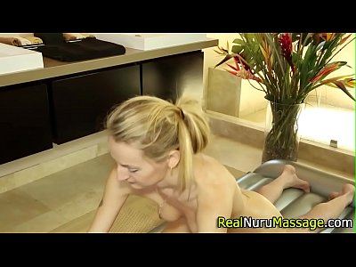 Porno video: Stunning masseuse banged