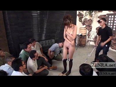 【星崎アンリ】男集団の脱げ脱げコールに裸になりキモ男とベロキスする美女