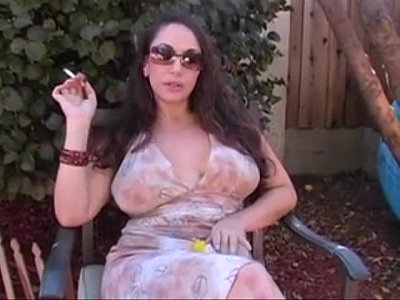 Milf Mature Smoking vid: Milf smoking masturbating and talking dirty