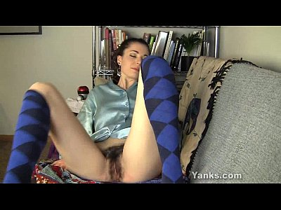 Amateur Masturbation video: Horny Layla Vibrating Her Hairy Twat