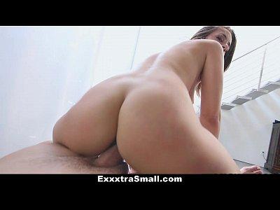 Exxxtrasmall - Μικρό Μπαλαρίνα Fucks Εκπαιδευτή!