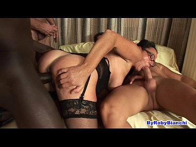 Sexo Hd Over 40 in gangbang...