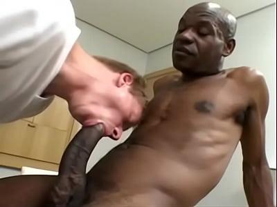 Pono Gey mandingo se folla a jovencito blanco