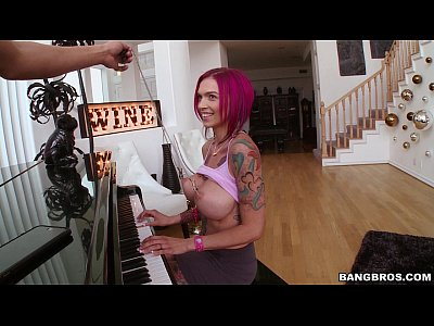 Anna Bell Peaks Is A Squirting Freak Bangbros Com 7 Min Hot Angels