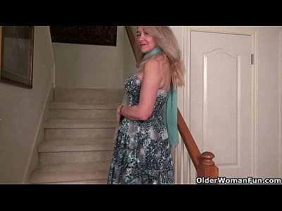Milf Mature Cougar video: America's sexiest milfs part 11