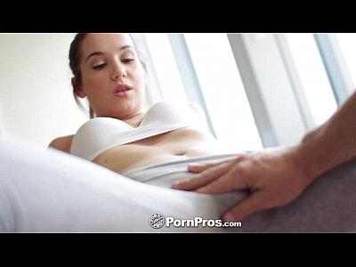 cogiendo señora infiel y le dice a su marido que va a clases de yoga