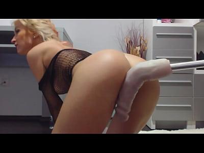 Blonde Sexy movie: sexmachine on