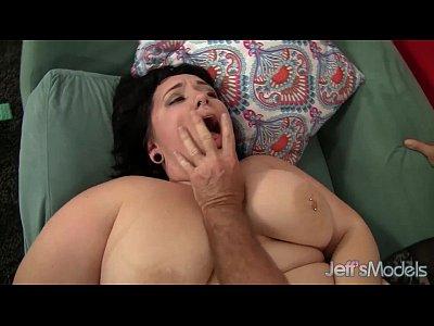 Chubby Plumper Chunky vid: Chubby beauty Alexxxis Allure hardcore sex