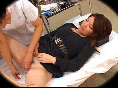 【隠し撮り】妊娠チェックの為に産婦人科にやって来た素人ギャルを撮影-AVマガジン-