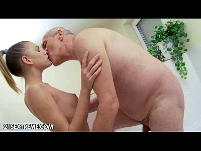 Blowjob Grandpa Shower video: A Shower with Grandpa